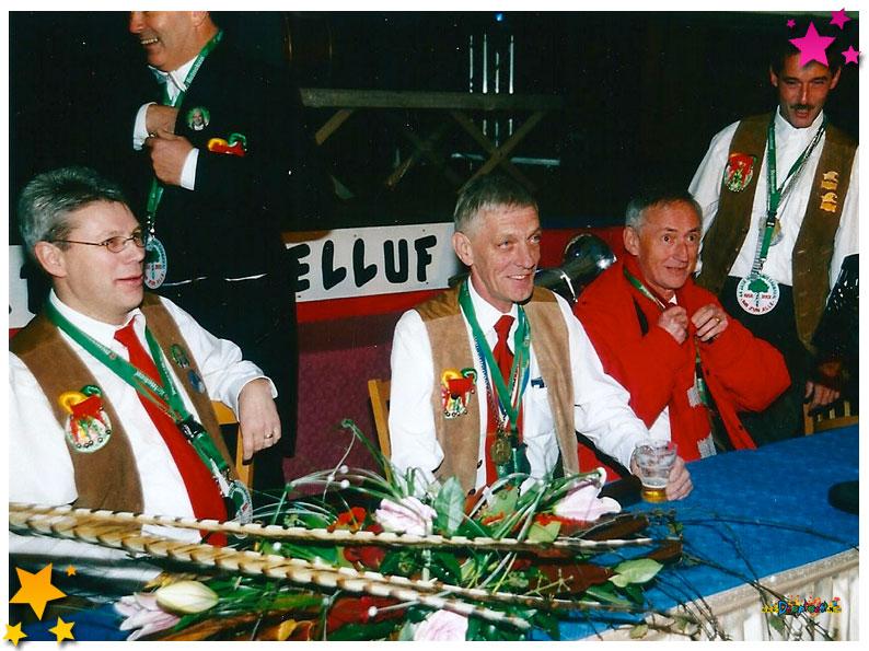 Feest in de tent op het Europaplein - 2002 Schaijk