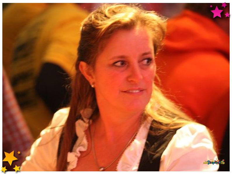 Lid van De Schuimkragen; Lisette Loeffen