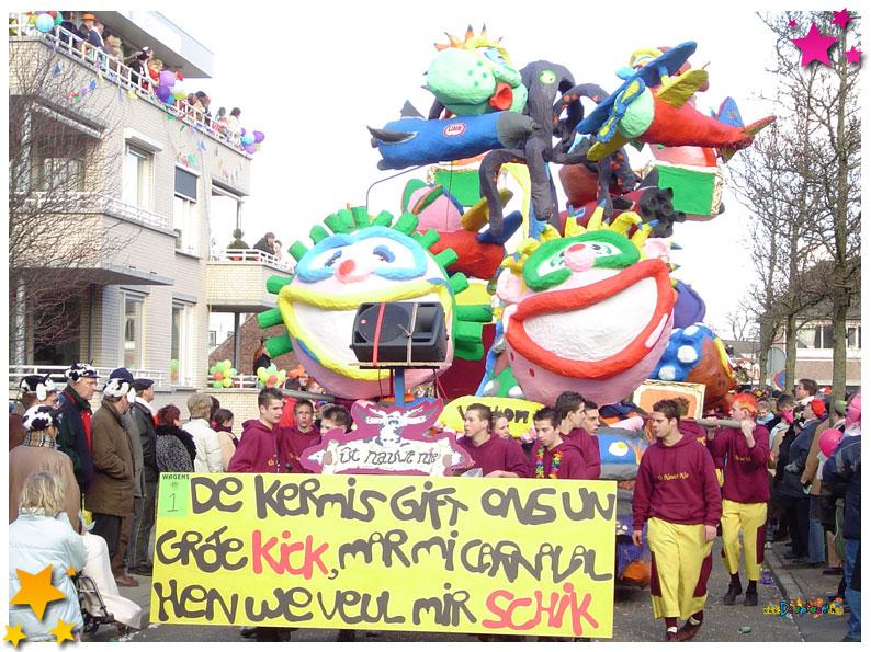 Ut Nauwt Nie - 2004