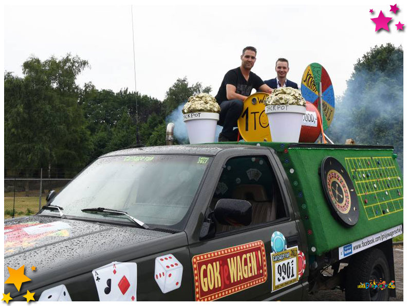 Opnieuw Schaijks team in knotsgekke Carbage Run