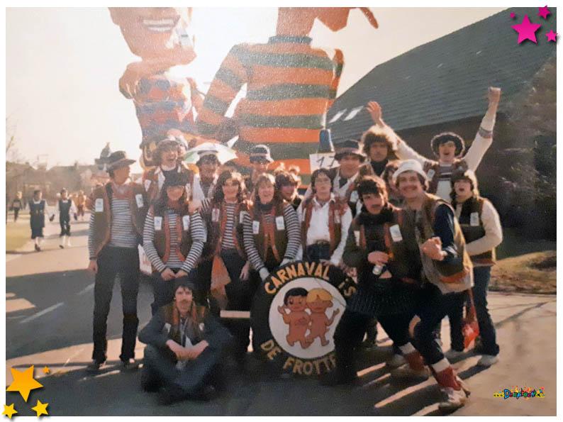 Carnavalsoptocht Schaijk - 1982 - Frotters
