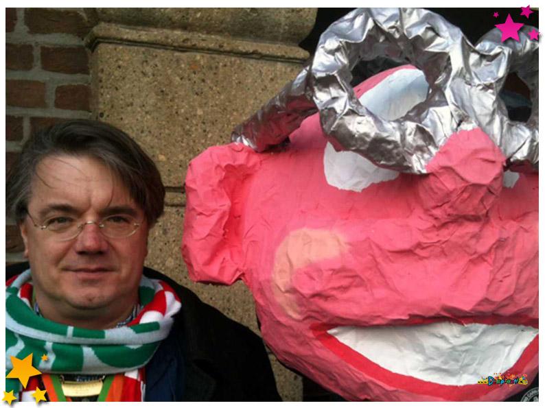 Omroep Brabant kwam naar Schaijk om commissaris van de Donk te interviewen - 2012